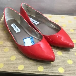 Steve Madden Coral Red Pointed Flats - Size 7.5